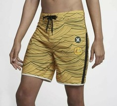 "Hurley Nike Phantom Australia National Team 18"" Board shorts Sz. 32 Gold Nwt - $33.25"