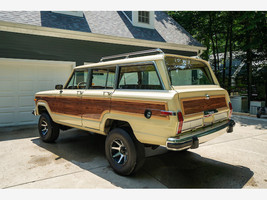 1984 Jeep Grand Wagoneer For Sale In Lewis Center, OH 43035 image 2