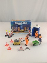 1998 Geobra Playmobil 3004 Construction Workers Building Toy Play Set - $32.71