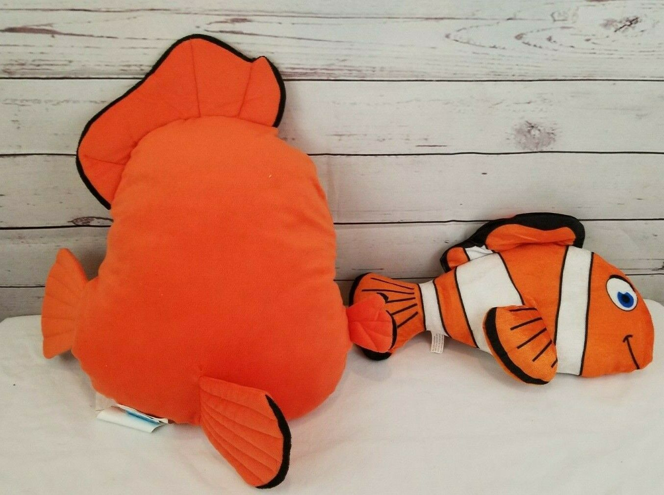 Set of 2 Finding Nemo/Dory  Pillow and Plush