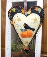 "8"" Heart Felt Ornament Crow Sitting On Pumpkin Country Prim Fall Hallowe... - $21.95"