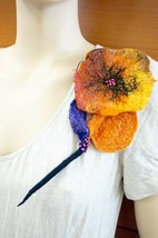 BROOCH FELTED FLOWER 3D BIG BROOCH HANDMADE IN EUROPE UNIQUE HOLIDAY GIF... - $84.00