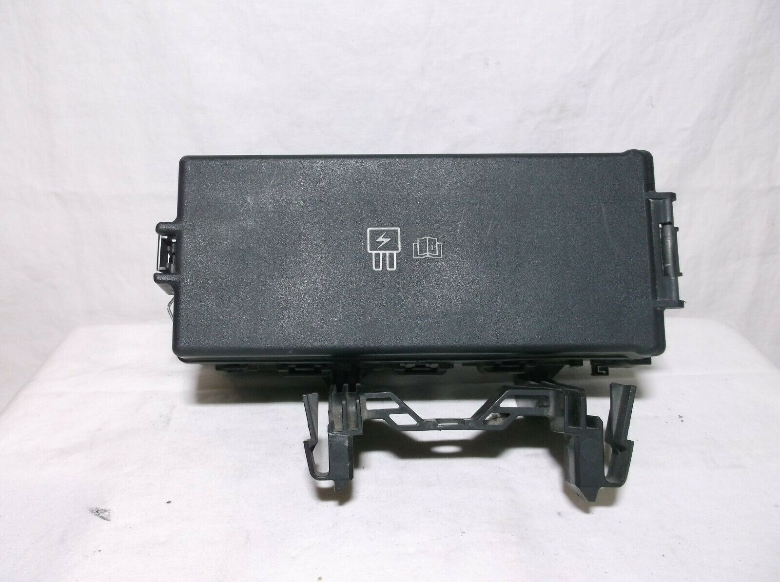 08-09 Ford Taurus X   Taurus   Fuse   Relay   Box