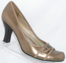 Kenneth Cole Reaction 'Water Pump' gold man made buckle heel 9.5M 4985 - $29.27