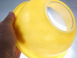 Pyrex 323 Yellow w/ Clear Bottom 1.5 Liter Vintage Mixing Bowl image 3