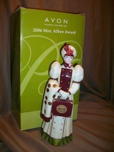 AVON MRS ALBEE AWARD 2006 FIGURINE PRESIDENTS CLUB - $29.69