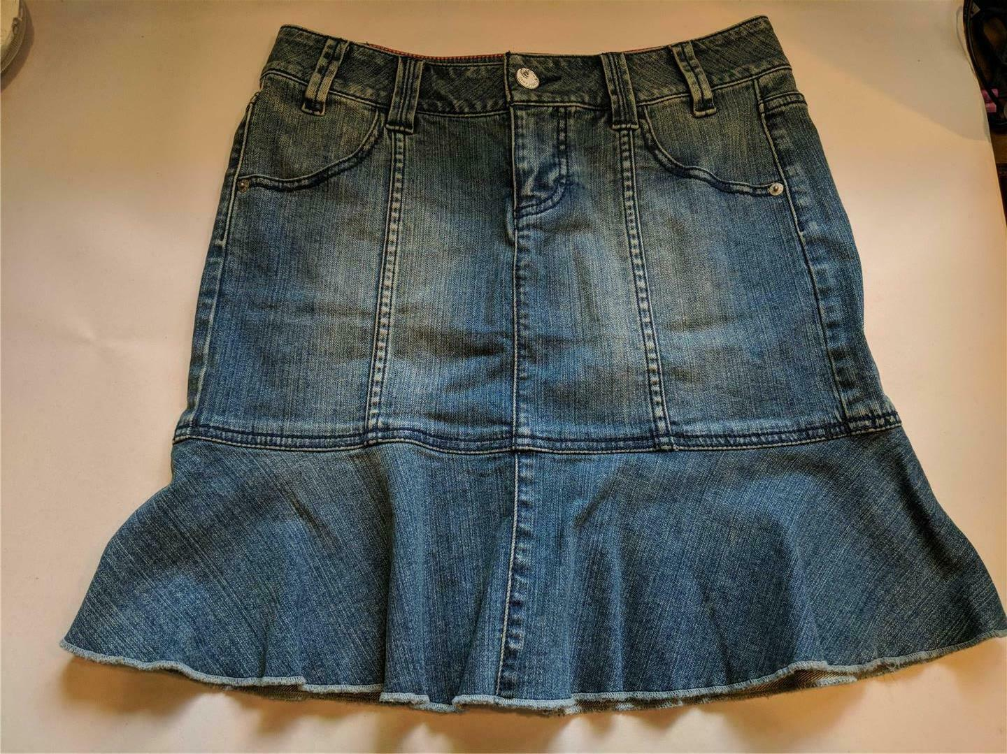 Primary image for DKNY Jeans Denim Skirt with Flounce Ruffle Women's Size 4P Pre-Owned
