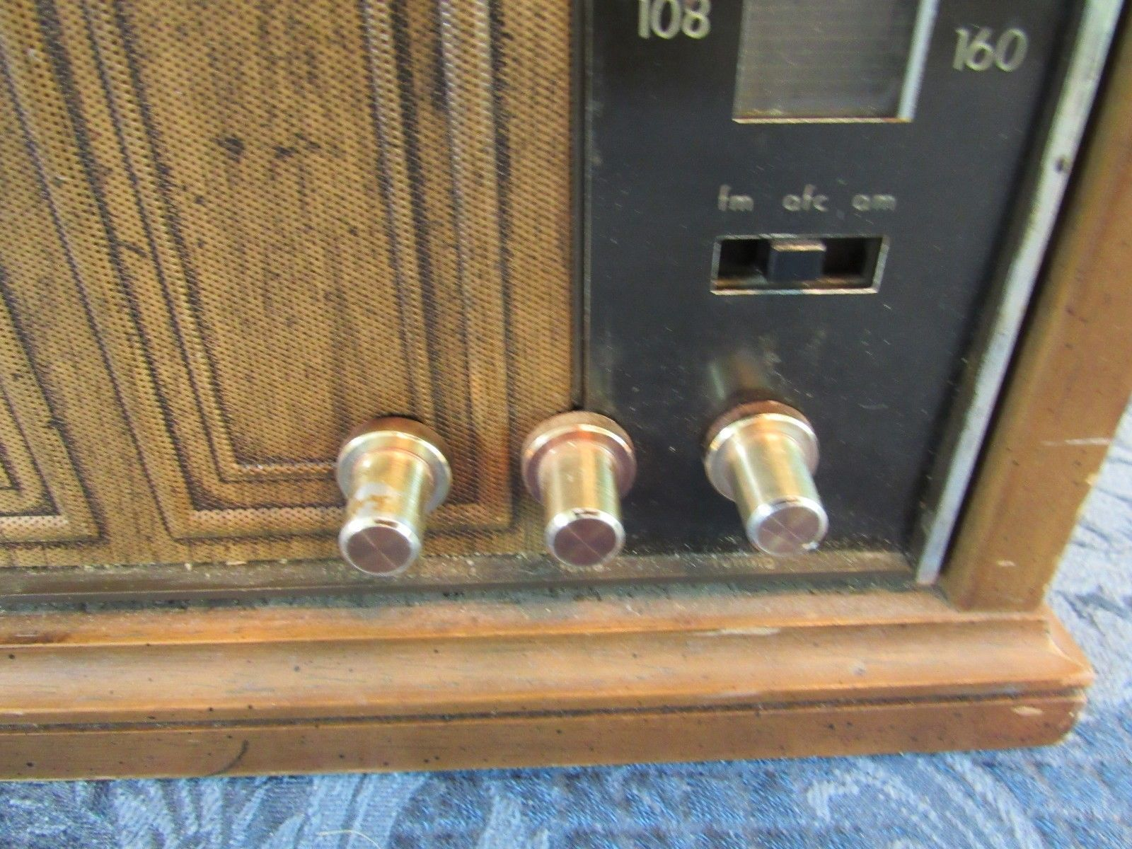 Vtg Wood 1960's Zenith Model A429P AM/FM Radio Solid State