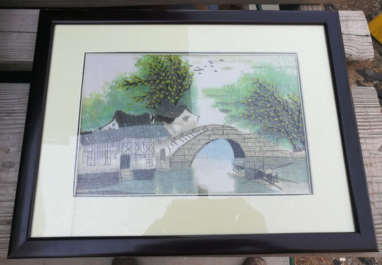 Chinese Hand Silk Embroidery Artwork Authentic in High Quality Frame LG2