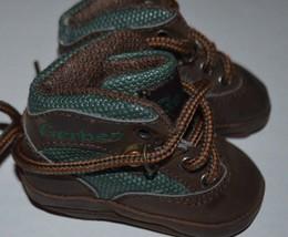 Baby Boys Gerber Green & Brown Hiking Work Boots size 0 newborn shoes - $122,42 MXN
