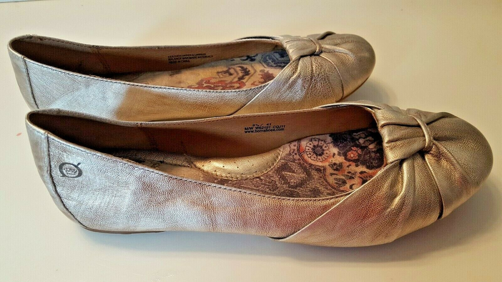BORN Women's Slip On Leather Uppers Flats Shoes Size 9.5 Bronze