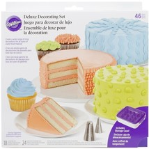 Wilton Cake Decorating Decoration Deluxe Set 46 pc 18 tips 24 Bags Spatu... - $50.34