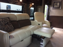 2016 Itasca SUNCRUISER 37F Used Class A For Sale In Tampa, FL 33688 image 10