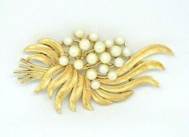1950's CROWN TRIFARI Signed Faux Pearl Abstract Flower Brooch Pin - $49.49
