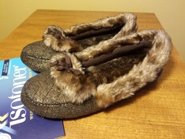 NWT ISOTONER Indoor/Outdoor Quilted Moccasin Slippers - Gold Brown Fur S... - £18.50 GBP