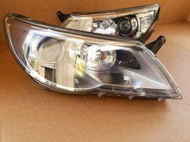 09-11 Volkswagen VW Tiguan Headlight Xenon HID AFS Set L&R image 3