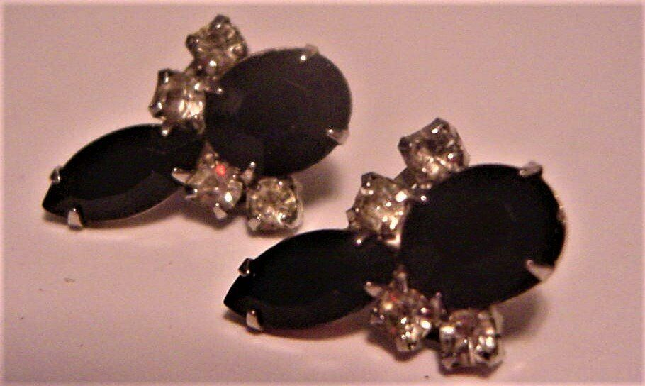 Primary image for WEISS Unsigned Rhinestone & Black Cabuchons Screw-back Earrings