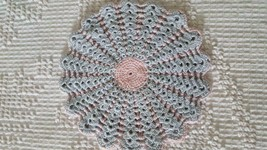 "7"" HANDCRAFTED CROCHETED PINK BLUE HOT PAD POT HOLDER, 2 PLY, SHINEY THREAD - €4,45 EUR"