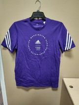 Adidas Washington Huskies Fashion Tee Mens Medium Purple GV4717 - $19.00