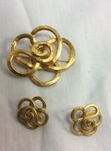 Brooch and Earrings Set Gold Tone, Flower Design. Stud Earrings. - $10.50