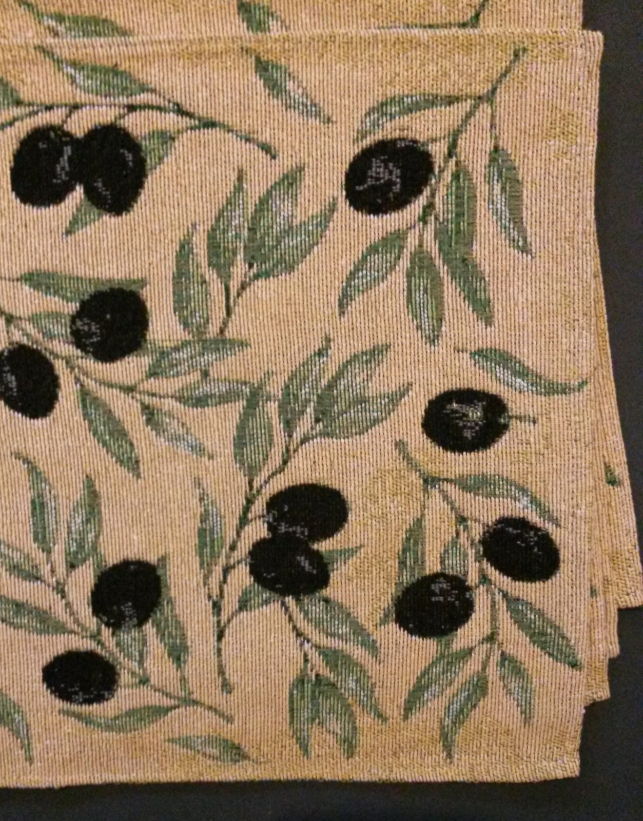 OLIVES TAPESTRY PLACEMATS Set of 4 Mediterranean Olive Branch Fabric 13x19 NEW