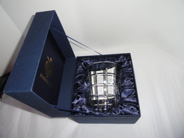Faberge Metropolitan Clear Pattern Ice Bucket in the original box  image 8
