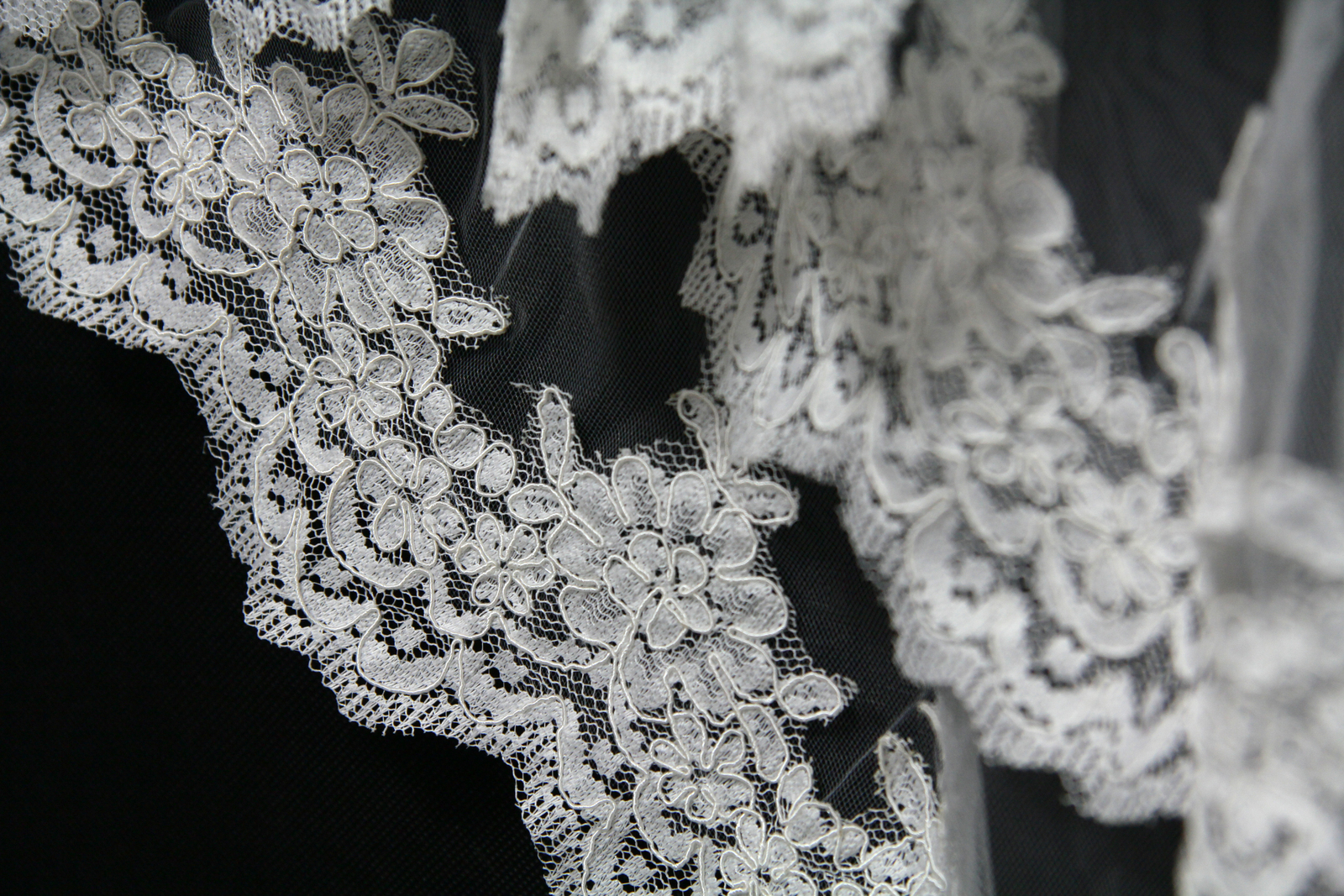 New Arrival Short Wedding  Veils  Lace Ledge  Bridal Veils  Flowers High Quality