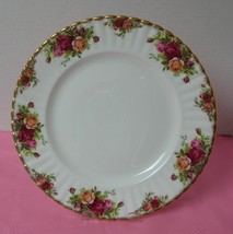 "OLD COUNTRY ROSES Royal Albert 10 3/8"" DINNER PLATE (s) China England VGC - $18.42"