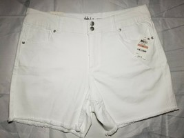 Style & Co Mid Rise Denim Shorts With Frayed Hem Optic White sz 12 - $20.57