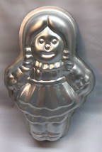 **Wilton 1975 Girl Doll Baby Shower Fashion Art Cake Pan R1 - $11.99
