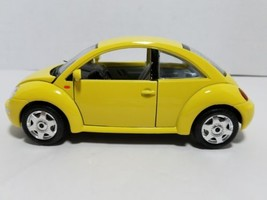 Bburago Italy Volkswagen New Beetle 1:24 Scale 1998 Car - $9.69