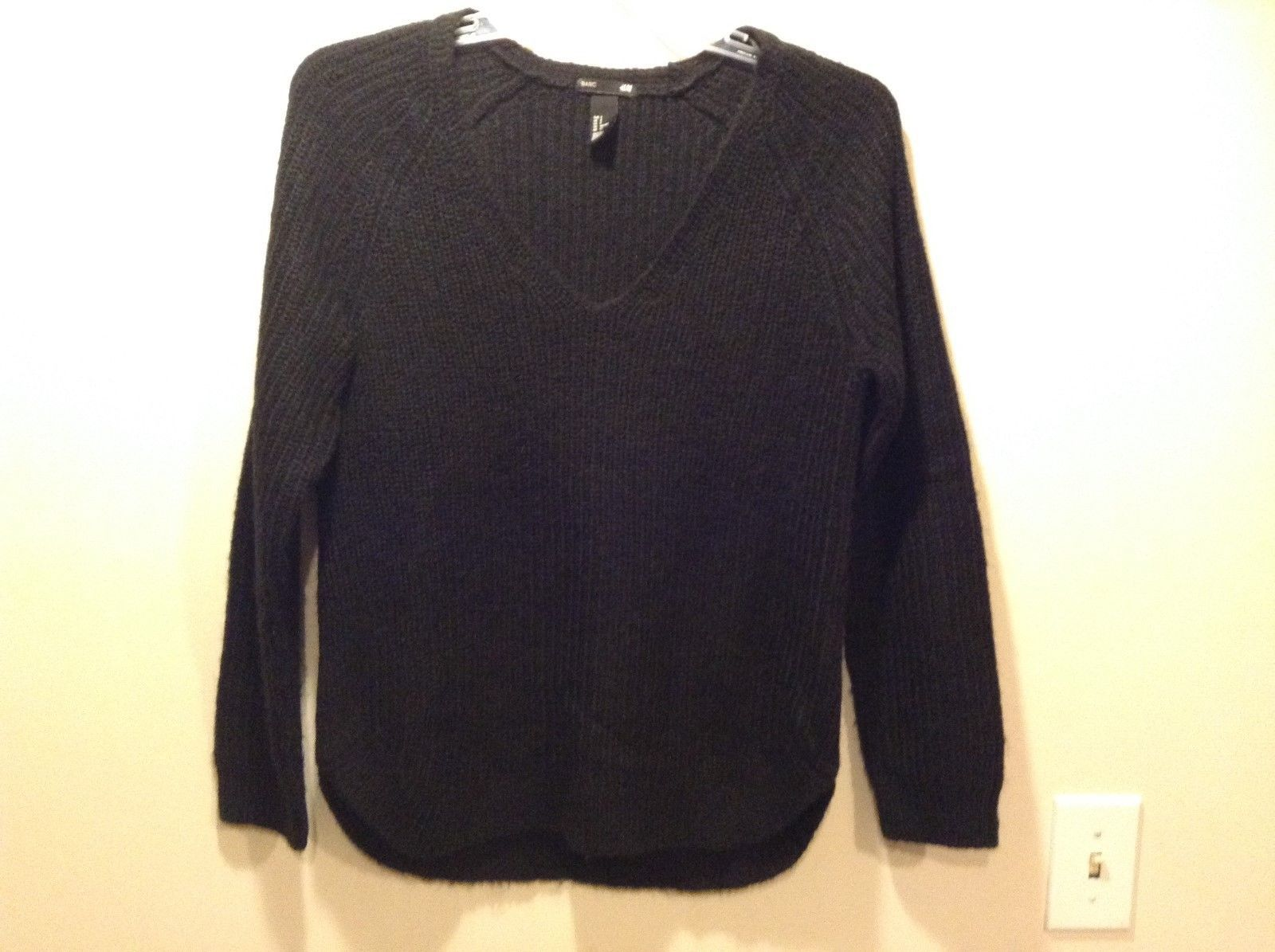 Basic by H&M Warm Black V-Neck Sweater Sz Small
