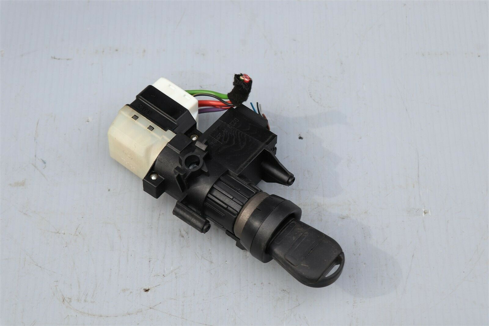 03-08 Range Rover L322 Ignition Switch W/ Key