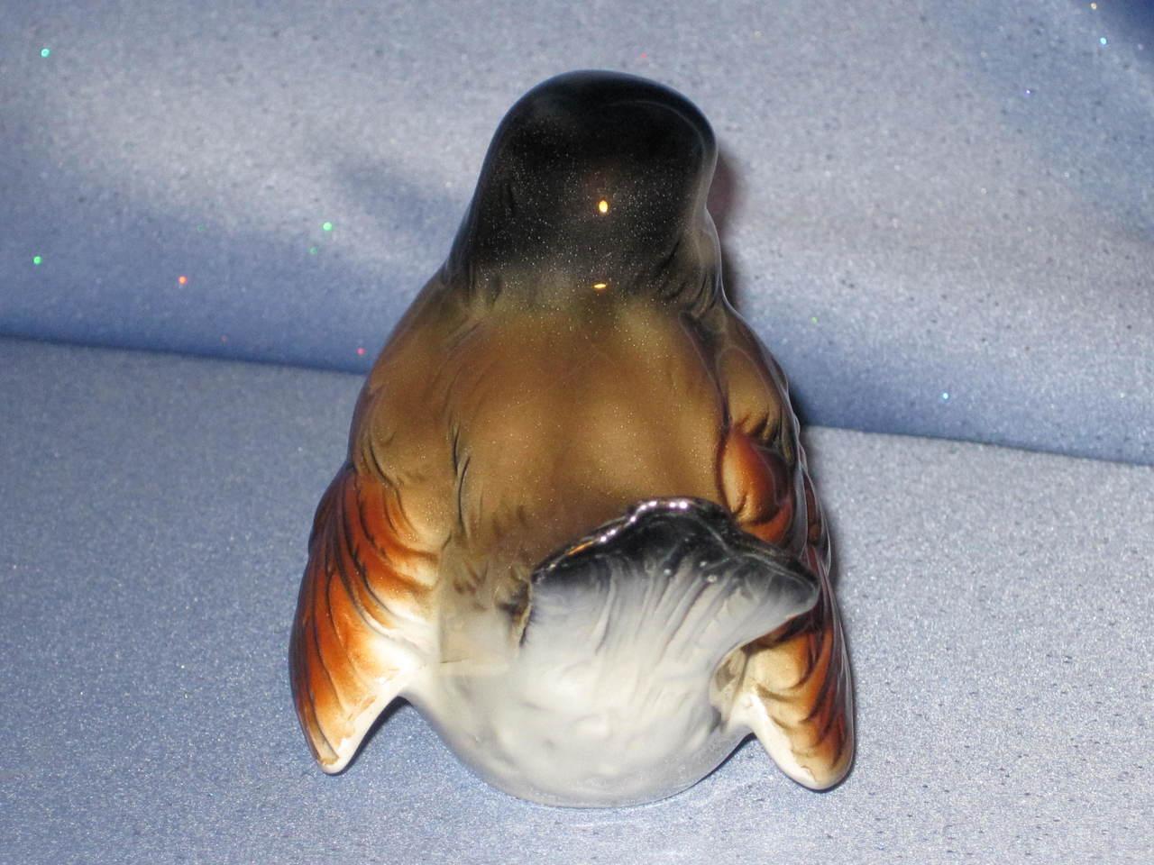 Brown Bird Figurine by W. Goebel (Looking Straight Forward).