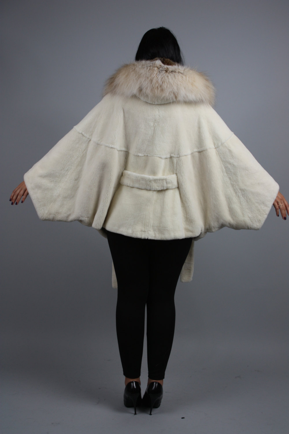 Luxury gift / Pearl Nutria  fur cape/  Full skin/With hood inside Fox / Wedding, image 4