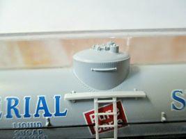 Micro-Trains # 06500196 Imperial Sugar 39' Single Dome Tank Car N-Scale image 4