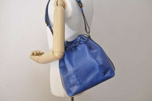 LOUIS VUITTON Epi Petit Noe Shoulder Bag Blue M44105 LV Auth 7168