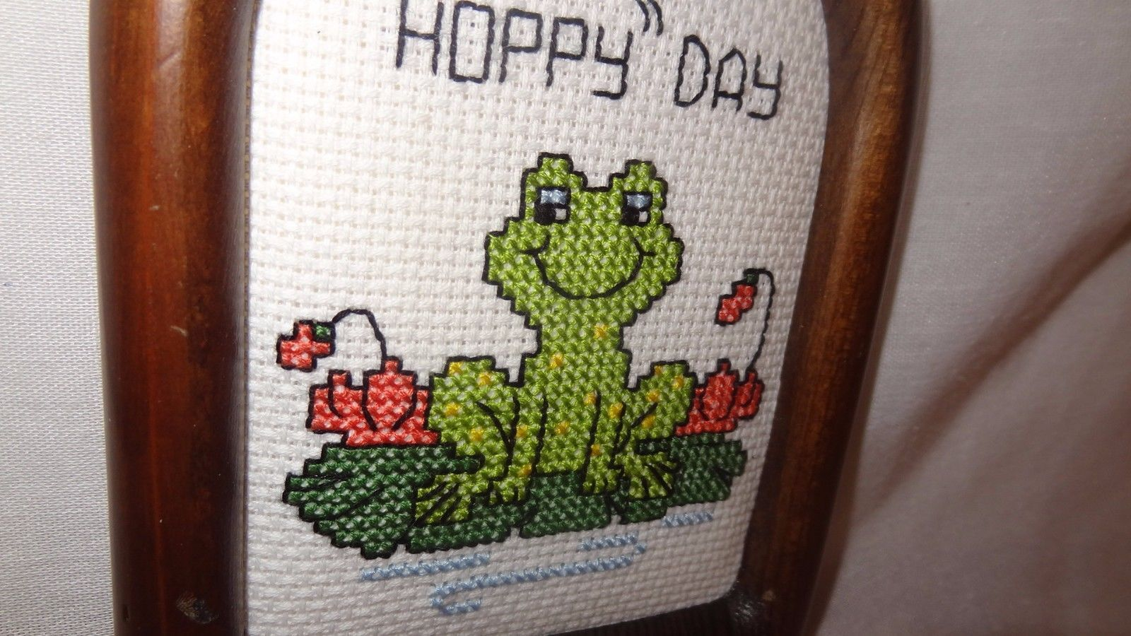 """New Frog Picture Plaque Have a Hoppy Day Finished Cross Stitch Handmade 6"""" Smile"""