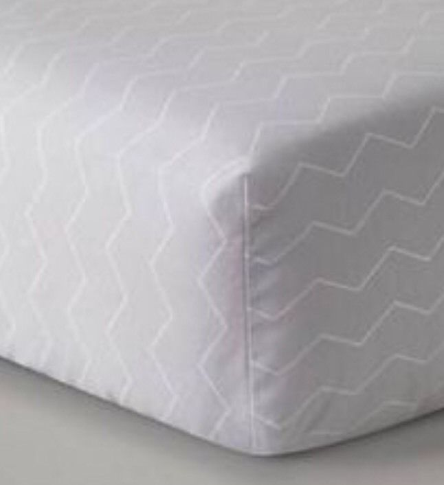 Circo Modern Geo Gray Chevron Crib Sheet Baby Bedding New Boy Girl - $15.29