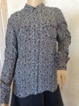 Ann Taylor Black & White Zigzagged Designed Blouse Size 8. (#2953) - $10.99