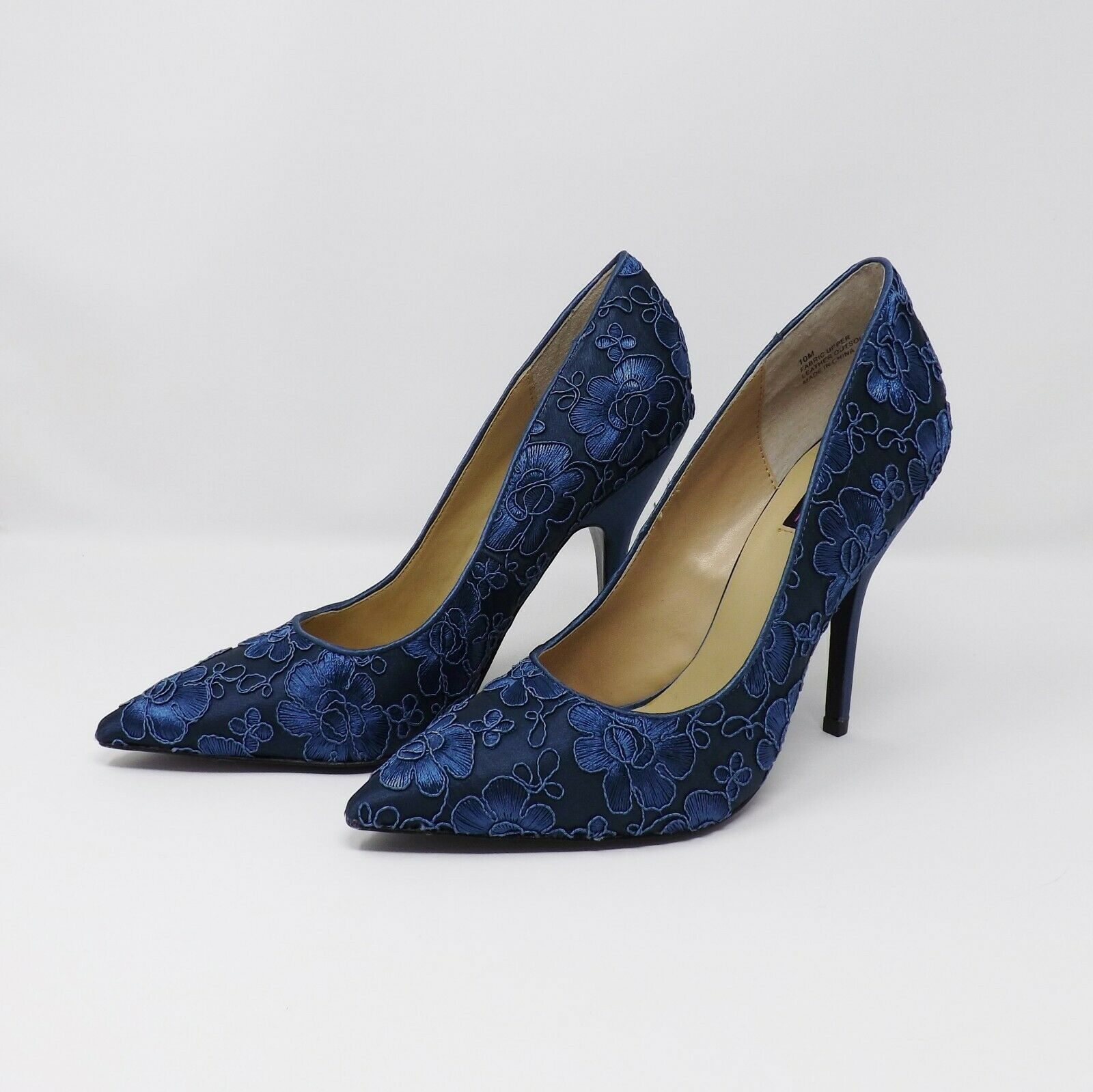 MoJo Moxy Blue Embroidered Flower Pump Heels - Size 10M