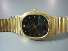 Vintage Waltham Gold Tone Quartz Wrist Watch - $22.76