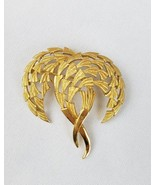 Vintage Trifari gold tone brooch pin jewelry - £24.60 GBP