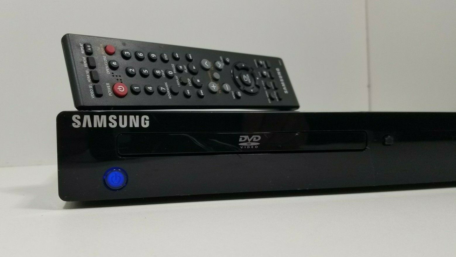 Samsung DVD-1080P8 DVD Player with Remote..Tested image 3