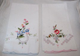 Pair of 100% Cotton Linen Hand Towels w Floral Embriodery Work Pink & Bl... - $16.34