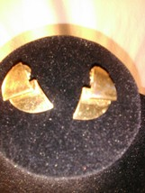 Monet Pair of Earrings Gold Tone Ribbon Candy Shape Freeform Jewelry - $16.49