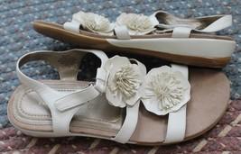 Easy Spirit Women's Genuine White Flowers Leather Sandals  Size 7 M Hopp... - $19.80