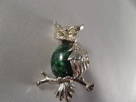 Vintage Gerry's Gold Tone Owl Brooch W1 - $5.93