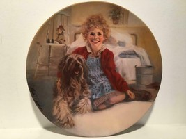 """<>< Vintage collectore plate LITTLE ORPHAN ANNIE """"ANNIE AND SANDY"""" - $9.74"""