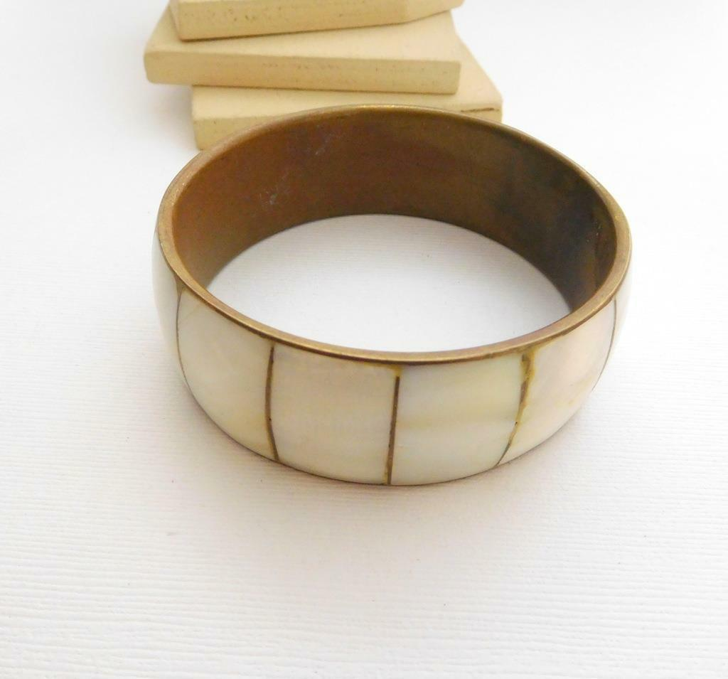 Vintage Mother Of Pearl Inlay Over Brass Wide Chunky Bangle Bracelet MM3 image 3